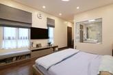 Căn nhà xuống cấp trong ngõ nhỏ Hà Nội được cải tạo thành không gian sống đẳng cấp và tràn ngập ánh sáng