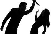 Mâu thuẫn, chồng dùng dao đâm vợ nhiều nhát