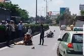 Hưng Yên: Va chạm với xe tải, một cán bộ CSGT nguy kịch
