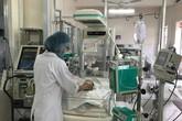 Sức khỏe thai nhi 7 tháng tuổi văng khỏi bụng mẹ sau tai nạn đang rất mong manh
