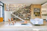 Phòng khách của những mọt sách chân chính có gì lạ?
