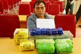 Bắt quả tang một thầy giáo vận chuyển 20 bánh heroin