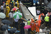 Máy bay Ấn Độ đâm vào công trường xây dựng, 5 người thiệt mạng
