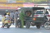 Ngày cuối thu hồi, xe ba gác tự chế vẫn tung tăng trên đường