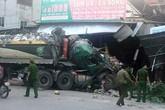 Nghệ An: Xe đầu kéo đâm liên hoàn vào 3 nhà dân