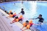 Con trẻ thích thú, bố mẹ an tâm với khóa học bơi tại Vinhomes