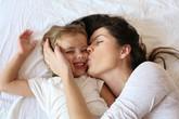 Đừng bỏ qua 10 cách để gắn bó hơn với con gái nếu bạn không muốn ngày càng bị con xa cách