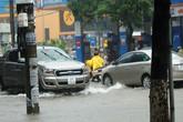 Nghệ An: Mưa lớn khiến nhiều tuyến đường TP Vinh ngập sâu