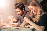 Rất nhiều người vẫn hay ăn tối thế này mà không biết nó làm tăng nguy cơ ung thư vú và ung thư tuyến tiền liệt