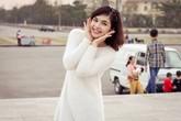 """Chị gái kín tiếng của Hòa Minzy hóa ra là """"chị Kính Hồng"""" nổi tiếng trên VTV"""