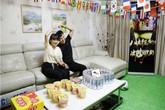 Vợ biến nhà thành 'sân vận động' cho chồng xem World Cup