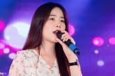 Nam Em hát dân ca miền Tây tại tiệc Hoa hậu Hoàn vũ
