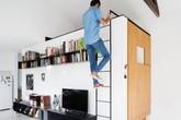 """Ngôi nhà nhỏ chỉ 50m² nhưng khéo sử dụng """"phông trắng toàn tập"""" khiến không gian trông rộng thênh thang"""