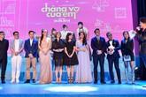 Johnny Trí Nguyễn gầy hốc hác dự ra mắt phim cùng bạn gái