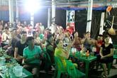 Trực tiếp không khí sôi động cổ vũ đội tuyển U23 Việt Nam tại gia đình cầu thủ Đức Huy
