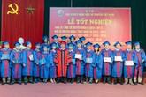 Hơn 500 tân bác sĩ Y học cổ truyền hô vang lời thề y khoa trong lễ tốt nghiệp