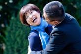 """Bà xã Chí Trung: Tiểu thư nhà giàu yêu trai nghèo - 40 năm """"bỏ qua hết lần này đến lần khác"""" khi chồng lạc chân rong chơi khắp chốn"""