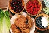 Mâm cơm ngày nào cũng có món mới của nữ dược sĩ Việt tại Canada