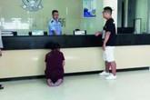 Bà mẹ cầu xin cảnh sát bắt con trai mình