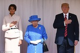 Đây là sự thật vụ nữ hoàng Anh 92 tuổi phải đợi ông Donald Trump 10 phút dưới nắng nóng?