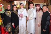 NSND Hồng Vân, Lê Tuấn Anh hạnh phúc trong ngày cưới con gái ở Sài Gòn
