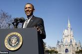 Obama tiết lộ lý do bị đuổi khỏi Disneyland