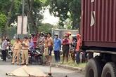 Cô gái tử vong tại chỗ khi cùng người yêu về quê thì bị xe container lùa một đoạn 20m