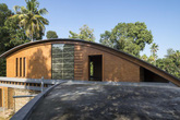 Ngôi nhà tránh nắng bằng mái vòm kỳ lạ