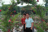 """Vườn hoa hồng vạn gốc đẹp độc hiếm của """"triệu phú"""" 8X ở Thái Nguyên"""