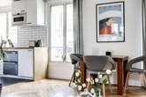 Sử dụng nhiều gam màu trắng và nội thất gỗ, căn hộ 38m² đẹp hoàn hảo mọi góc nhìn