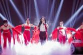 Hồng Nhung hát 'Bùa Yêu': Diva vẫn bị chê như thường!