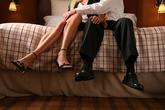 Ngoại tình để trả đũa người chồng phản bội và cái kết không ngờ khiến tôi hối hận