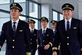 """Hàng chục phi công Vietnam Airlines xin nghỉ việc: Sự bất thường khi Bộ GTVT tuyên bố """"phải báo trước 180 ngày"""""""