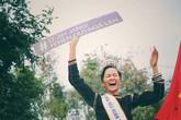"""Hình ảnh """"vinh quy bái tổ"""" xúc động của H'hen Niê sau khi đăng quang Hoa hậu"""