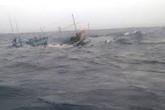 Sóng đánh chìm tàu, 8 ngư dân mất tích