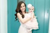 Con gái 6 tháng tuổi của Vy Oanh lần đầu lên sân khấu