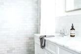 5 cách tạo phòng tắm tối giản giúp bạn thư giãn tối đa khi tắm