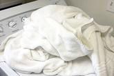 Chỉ cần làm cách này, khăn tắm sẽ không bao giờ có mùi nữa