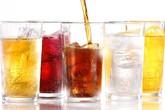Cơ thể bạn phải hứng chịu điều gì khi uống 1 lon nước ngọt có ga trong 1 giờ?