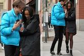 Malia Obama và bạn trai 'dính như sam' ở New York