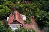 Ngôi nhà mái ngói trên thiết kế chẳng giống ai, nhưng khám phá rồi ai cũng phải ước ao ở Đắk Lắk