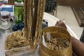 Diễn biến mới vụ đi bán 230 lượng vàng thì bị tạm giữ vì không chứng minh được nguồn gốc