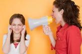 Lạm dụng tình cảm trẻ em - Bệnh dịch thầm lặng trong gia đình (4): Những lời nói nào của cha mẹ bị coi là lạm dụng trẻ