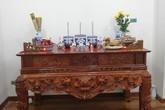 Giữ hay thay bát hương khi dọn dẹp bàn thờ ngày Tết để mang lại tài lộc?
