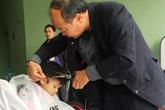 Xúc động hình ảnh hàng trăm bệnh nhân máu được cắt tóc miễn phí đón Tết