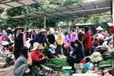 Mộc mạc chợ phiên làng quê ngày cận Tết