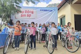 Eximbank tặng quà và bàn giao đường bê tông nông thôn tại Trung Hòa tỉnh Bắc Kạn