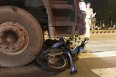 Quay đầu xe máy, người đàn ông bị xe tải cán chết ở Đà Nẵng