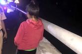 Quảng Ninh: Cảnh sát giao thông cứu người phụ nữ nhảy cầu trong đêm