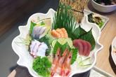 'Lá hồi sinh' bán đầy chợ Việt 1-2 ngàn/mớ, ở Nhật phải mua ăn từng lá một